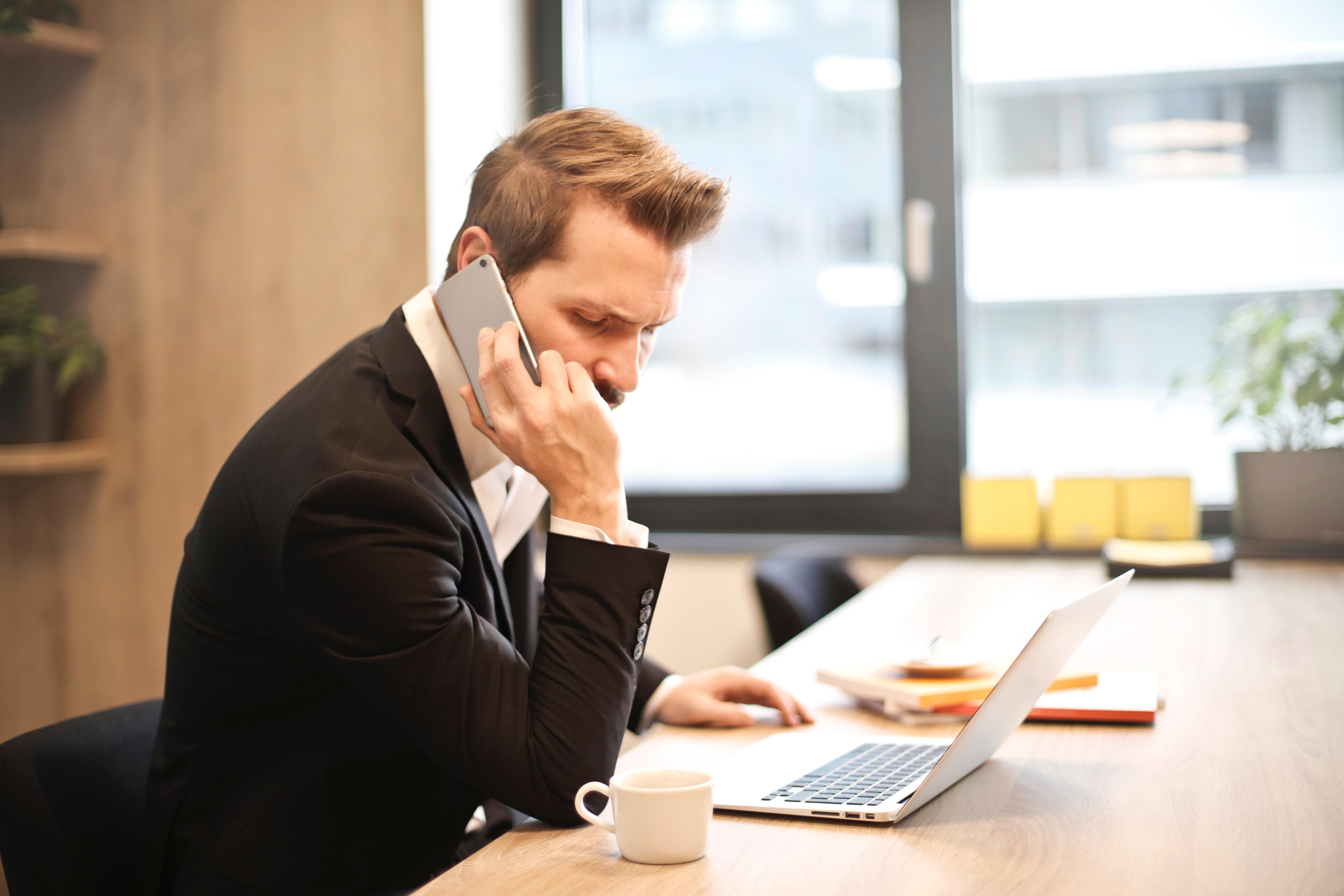 Hotline et permanence téléphonique